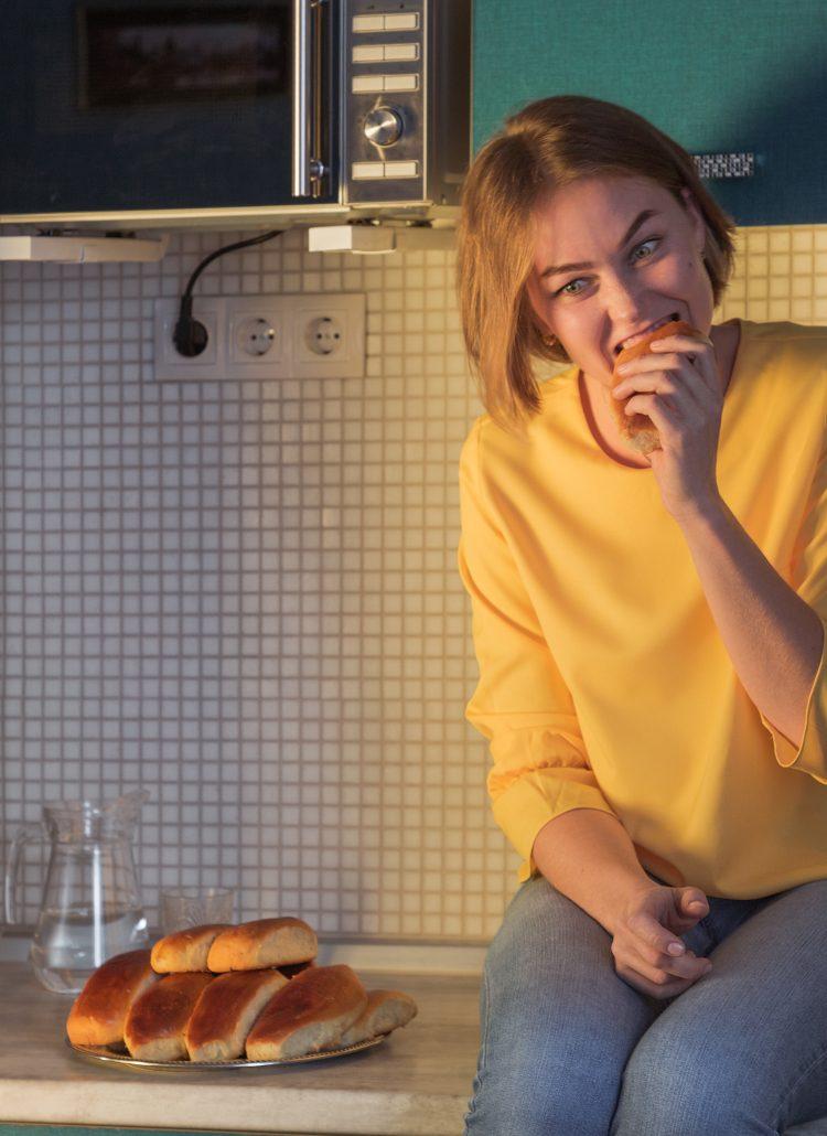 4 egyszerű lépés a késő esti evés abbahagyásához